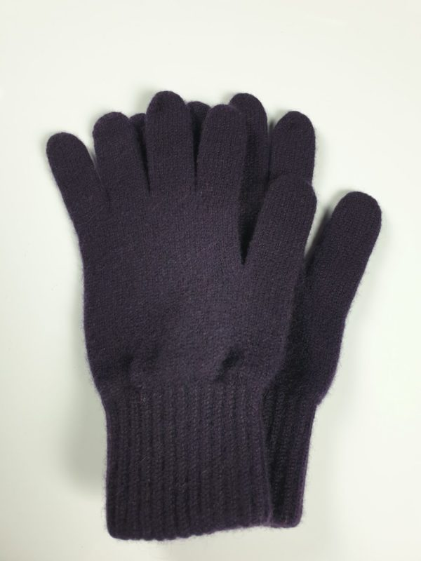 product image for a pair of blackcurrant purple pure cashmere gloves made in Scotland - 600x800 - product id:930 - cashmereglovesandscarves.co.uk