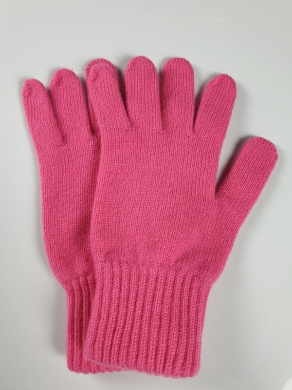 product image for a pair of bubblegum pink cashmere gloves made in Scotland - 600x800 - product id: 892 - cashmereglovesandscarves.co.uk