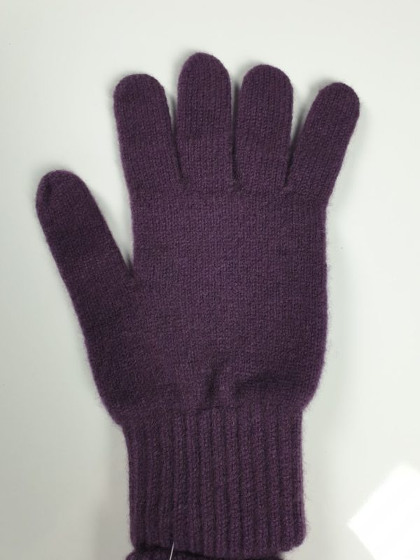 product image for a pair of dewsberry purple pure cashmere gloves made in Scotland - 600x800 - product id:929 - cashmereglovesandscarves.co.uk
