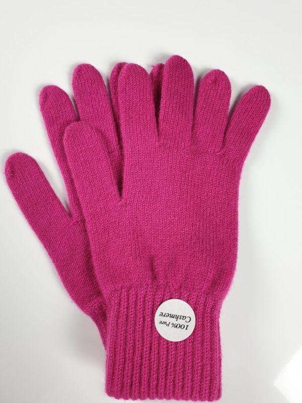 product image for a pair of magenta pink cashmere gloves made in Scotland - 600x800 - product id: 893 - cashmereglovesandscarves.co.uk