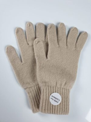 product image for a pair of natural light brown cashmere gloves made in scotland - 800x600 - product id: 882 - cashmereglovesandscarves.co.uk