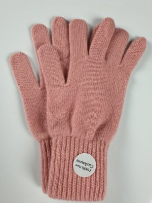 product image for a pair of powder puff pink cashmere gloves made in Scotland - 800x600 - product id: 887 - cashmereglovesandscarves.co.uk