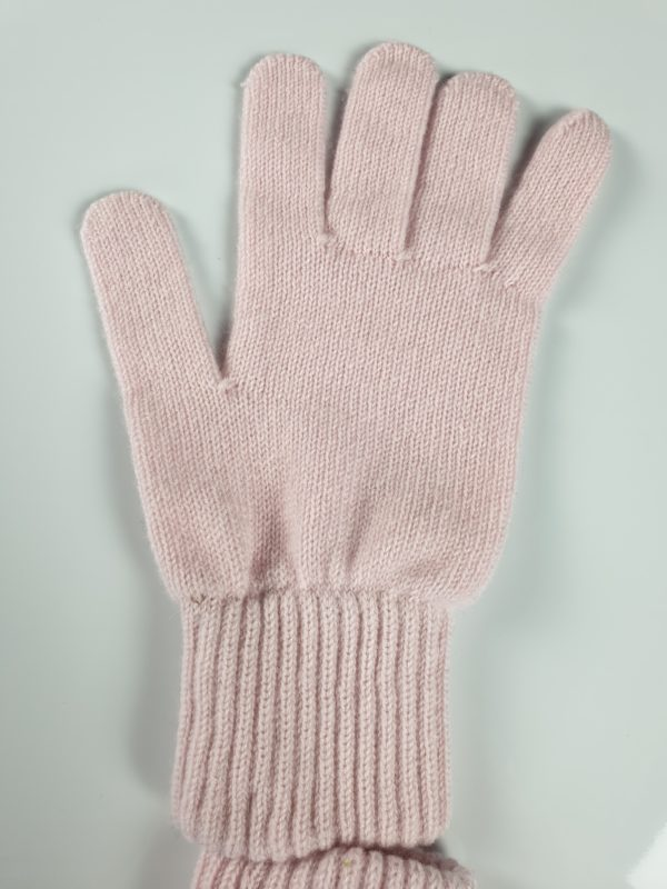 product image for a blush pink cashmere glove made in Scotland - 800x600 - product id: 884 - cashmereglovesandscarves.co.uk