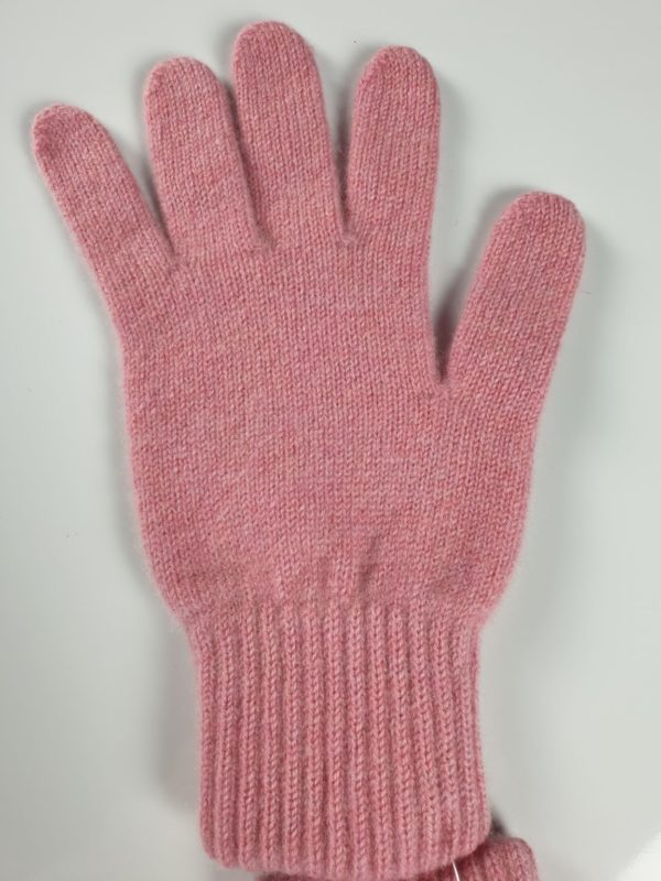 product image for a rose pink cashmere glove made in Scotland - 800x600 - product id: 886 - cashmereglovesandscarves.co.uk